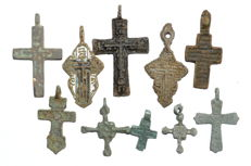 Very Fine Selection of 10 Medieval / Post Medieval Cross pendants - 19-43 mm (10)