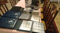 Accessories - Various coin albums (7 pieces) + aluminium coin canteens (2 pieces)