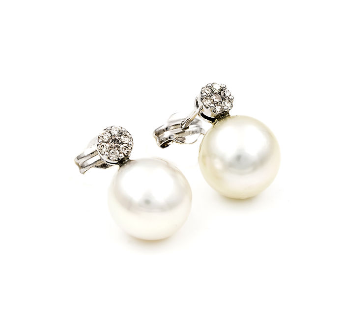 Earrings - Diamonds of 0.40 ct in total - South Sea Australian Pearls of 10.85 mm