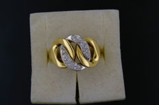 A ring made of 18 kt gold with 0.50 ct diamonds - 55(EU)