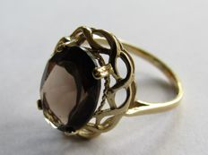 Gold ring with large natural cairngorm. NO RESERVE PRICE!