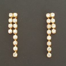 Long 18 kt yellow gold earrings with zirconias - Length: 23 mm - No reserve price