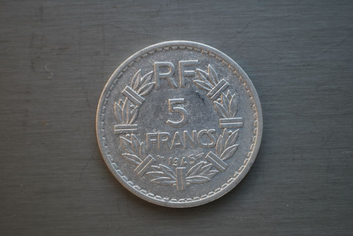 France - 5 fr 1945 (9 closed) 'Lavrillier' - aluminium