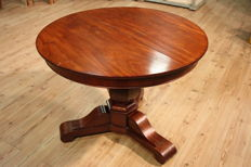 Antique round mahogany table - France, 19th century