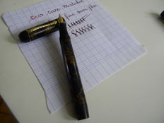 Superb Snell Pen With Very Flexible Nib Art Deco.