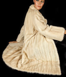 Fabulous light mink coat honey cream fur coat mink with new lining