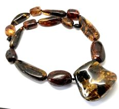 Vintage collar necklace of natural green Baltic Amber (not pressed) weight 79.3 grams, no reserve