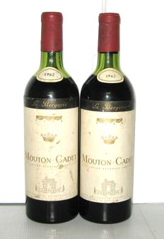 1962 Mouton-Cadet 'La Bergerie' Baron Philippe de Rothschild - lot 2 bottles