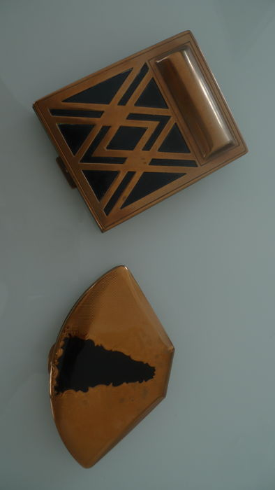 2 Compact powder boxes - Art Deco motif