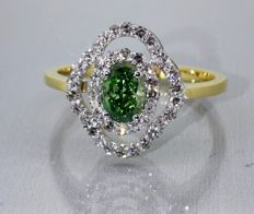 18 kt gold Diamond ring with Intense Fancy olive yellow-green diamond & 42 diamond of 1.12 ct in total - Size 58t