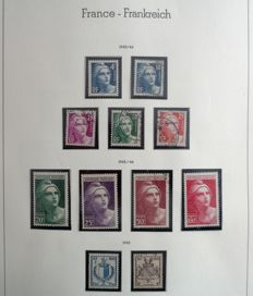 France 1945/1969 - Almost complete collection on Leuchturm album pages including current postage, air mail, pre-cancelled