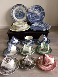 31 pieces of English earthenware, amongst others, Royal Staffordshire, Wedgwood, Meaking, Kensington