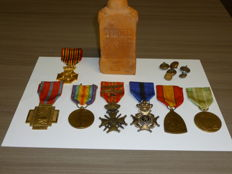 Beautiful lot of collector items, mainly WW 1. Belgium and France.