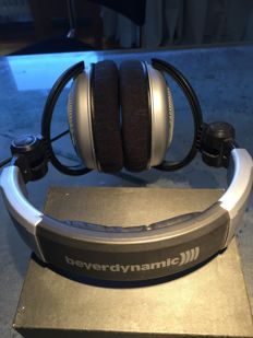 Beyerdynamic DT660 Headphones