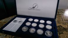 World -24 coins animals of prehistoric times - MDM - silver