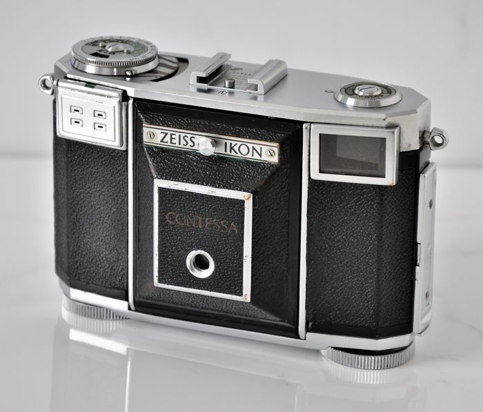 1953 ZEISS IKON 'Contessa' Type 533/24 Folding Rangefinder