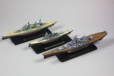 Miniature battleship warship boat replica set of 8 pieces!
