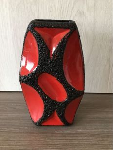 Vintage Roth fat lava West Germany vase '311-25' in red