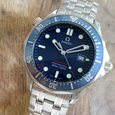 Reloj Omega Seamaster Professional  300 Red Letters ref. 22218000 - men's watch - 2009