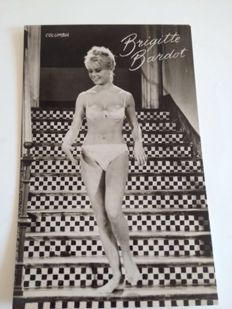 Postcards Brigitte Bardot - 75 pieces -
