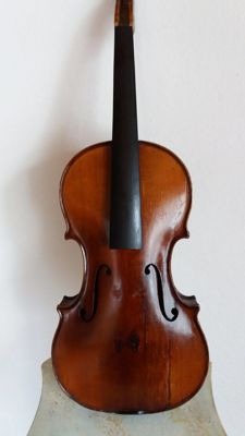 4/4  Old Violin without labeled
