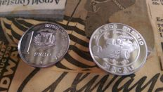 World - Macao (100 Patacas 1988) & Dominican Republic (1 Peso 1988) - 2 coins - silver