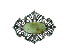 14 kt antique gold with silver brooch set with rose cut diamond, cultivated pearl and Nephrite Jade