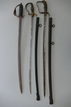 Lot of 3 sabres: two from the World War and one from India