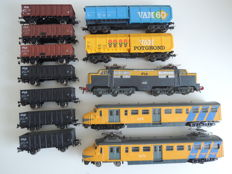 Trix/Fleischmann H0 - 2-piece 'Hondekop', Series 1200 and 9 freight wagons of the NS