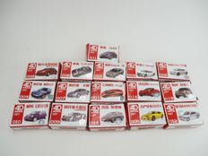 4D H0 - A lot with 16 unbuilt model kits of H0 autos