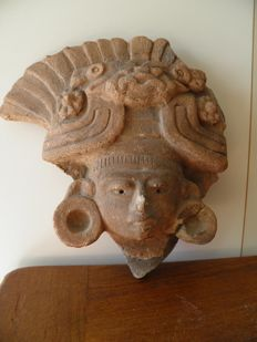 Large pre-Columbian terracotta head of a dignitary - Mochica - Heigth 240 mm