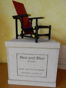 Miniature of the famous 'Red & Blue' armchair – designed by Gerrit Th. Rietveld.