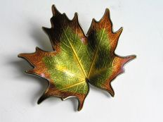 Hroar Prydz Norway - brooch - maple leaf
