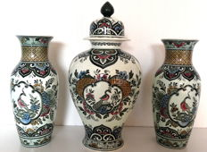 Cabinet set consisting of three porcelain Villeroy & Boch vases