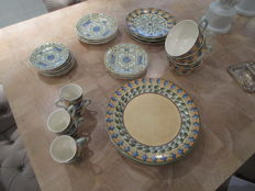31 piece tableware set - Gien, France - Jardins d'eau.