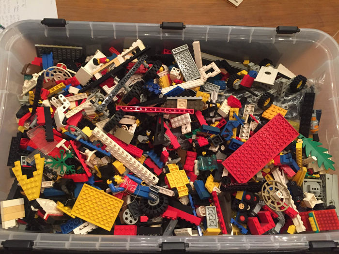 38 kg of Lego - city, technic, pirates and more. - Catawiki