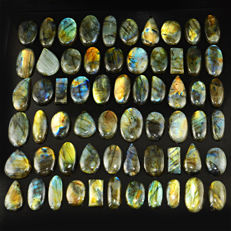 Large Labradorite lot - all color flashes - 3125 ct - (62pcs)