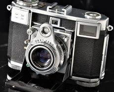 1953  ZEISS IKON  'Contessa'  Type 533/24  Folding Rangefinder Camera.