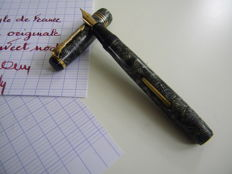 Superb Edacoto Marbled Model Pen - France's Pen - Gold Plume
