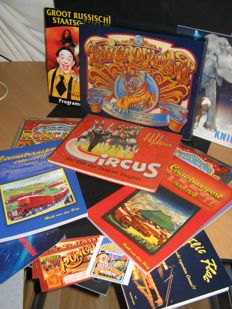 Circus; Lot with 12 publications and programmes - 1939 / 1981
