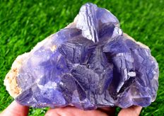 Large Fluorite Crystal Natural Specimen with Phantoms - 152 x 100 x 70 mm - 1390 gm