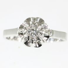 Vintage French solitair engagement ring from the fifties