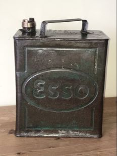 ESSO - oil can made of tin - 32 x 25 x 15 cm - ca. 1936