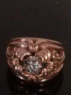 Antique ring in gold and 0.05 ct diamond
