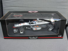 Minichamps - Scale 1/18 - McLaren MP4/12 1998 - M. Hakkinen