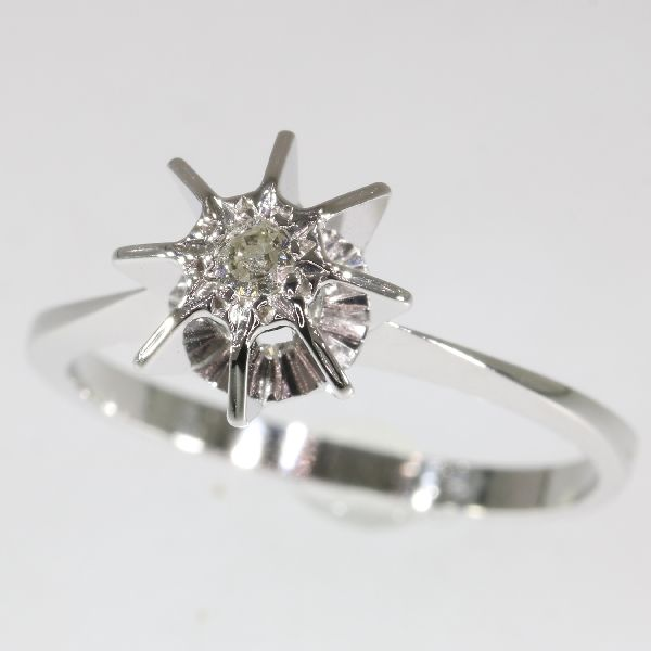 Funky engagement ring with 1 swiss-brilliant cut diamond ± 0.07ct