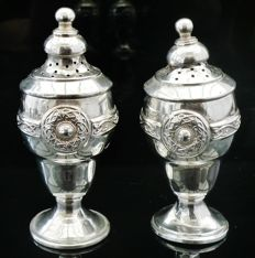 Pair of Silver Pepper Pots, Celtic Knot Design, Birmingham 1910, Henry Matthews