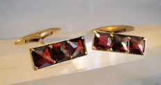 Antique cufflinks with square antique cut garnets totalling 6 ct, circa 1900