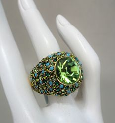 Kenneth Jay Lane - Yellow gold plated statement Ring with Austrian Crystals.