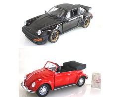 Franklin Mint - scale 1/24 - Porsche 911 Carrera Targa 1988 B11SD66 & Volkswagen convertible VW Beetle 1967 both with certificate B11UB74